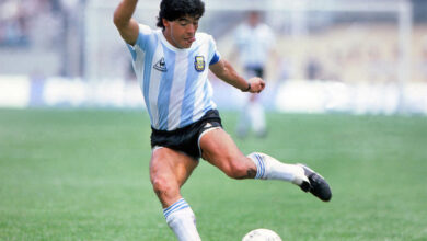 صورة وفاة أسطورة كرة القدم مارادونا